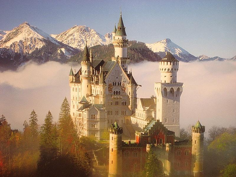 Замки за границей которые можно купить